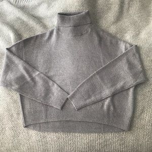 NWOT H&M Sweater size Small